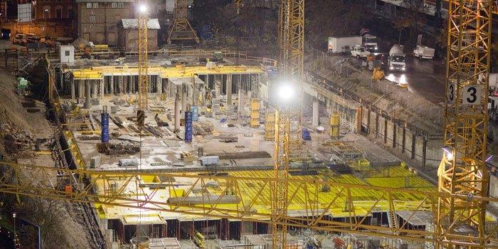 Rösch Unternehmensberatung Baustelle nachts