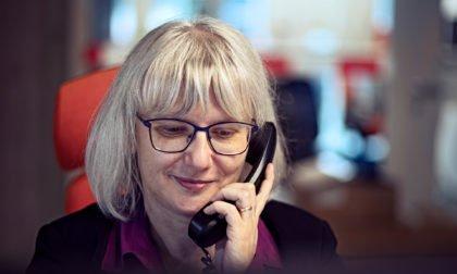 Einkäuferin am Telefon www.roesch-unternehmensberatung.de @julianschulz